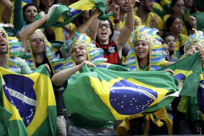 brazil-olympic-fans-696x464