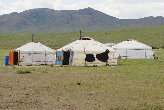 mongolia-696x466